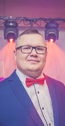 """Dj """"CRAZY"""" <br> Tomasz Kołodziejski <br><a class='profile-number' href=""""callto:+48 507-942-129"""">+48 507-942-129</a>"""